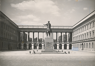 The Poniatowski statue on the Pilsudski square, 1935