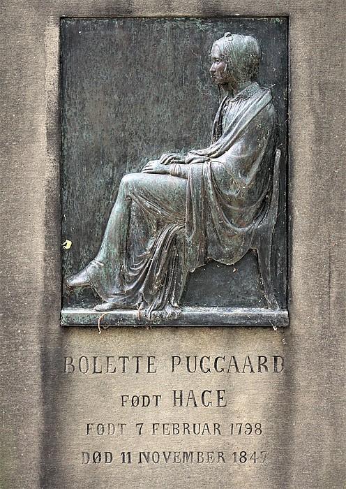 Gravmæle, Bolette Puggaard