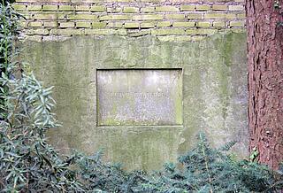 L. Bødtcher, grav, Assistens Kirkegård i København