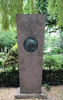 Gravmæle, Orla og Marie Lehmann, Holmens Kirkegård, København