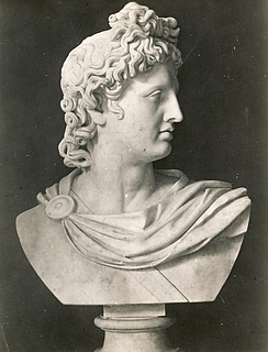 Bertel Thorvaldsen: Apollo Belvedere, c. 1805-1810, marble, whereabouts unknown, photo 1927