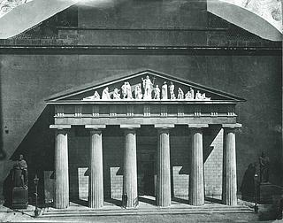 Vor Frue Kirke, facade med Johannes Døberens prædiken, marmorversion - Copyright tilhører Thorvaldsens Museum