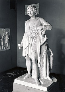 Bertel Thorvaldsen with the Goddess of Hope
