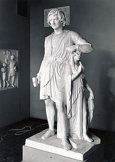 Bertel Thorvaldsen with the Goddess of Hope