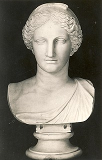 Bertel Thorvaldsen: Sappho, c. 1805-1810, marble, whereabouts unknown, photo 1927