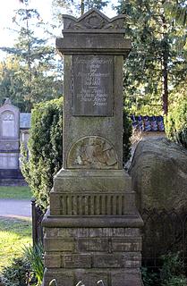 Wiedewelt, gravmæle, Assistens Kirkegård, København