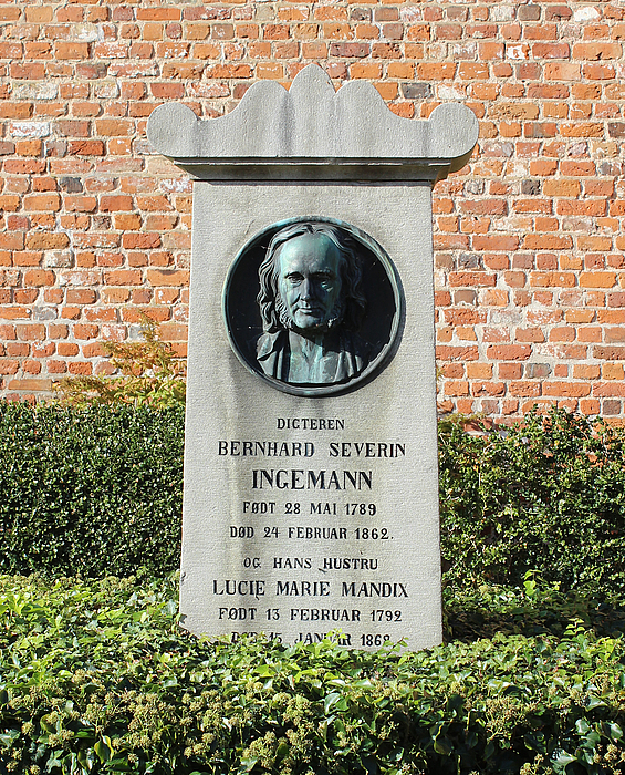 NN: B.S. Ingemann, grav