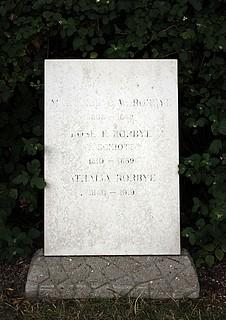Martinus Rørbyes gravsten, Holmens Kirkegård, København