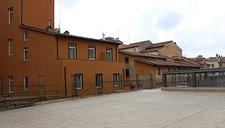 Vicolo Barberini, bagsiden set fra Palazzo Barberini