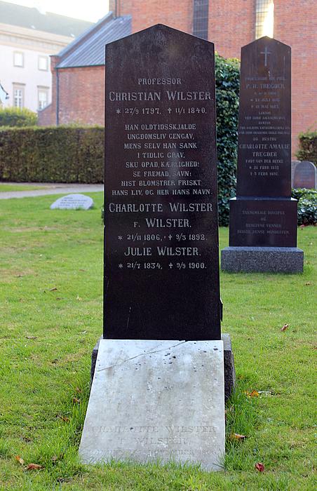 Christian Wilster, gravsten
