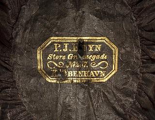 Heyns mærke i Thorvaldsens hat tilhørende hans uniform for det franske kunstakademi / Institut de France