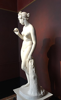 Thorvaldsen, Venus with the Apple, marble, Thorvaldsens Museum.