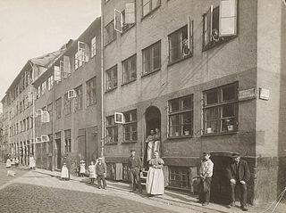Lille Brøndstræde set fra Store Brøndstræde, Niels Ludvig Mariboes billedsamling optaget i perioden 1880-1919, Københavns Museum