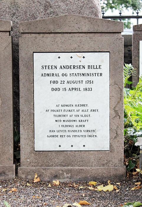 Gravmæle, Steen Bille, Holmens Kirkegård