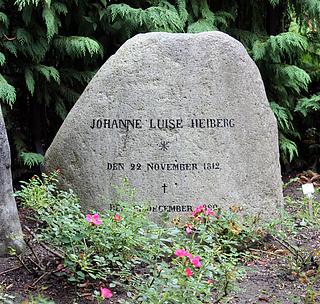 Gravmæle, Johanne Luise Heiberg, Holmens Kirkegård, foto 2020