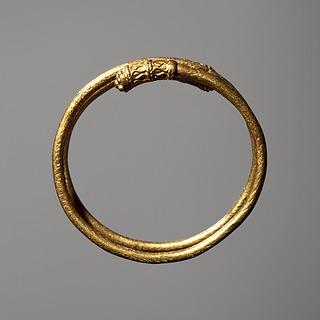 Hårspiral/fingerring. Etruskisk