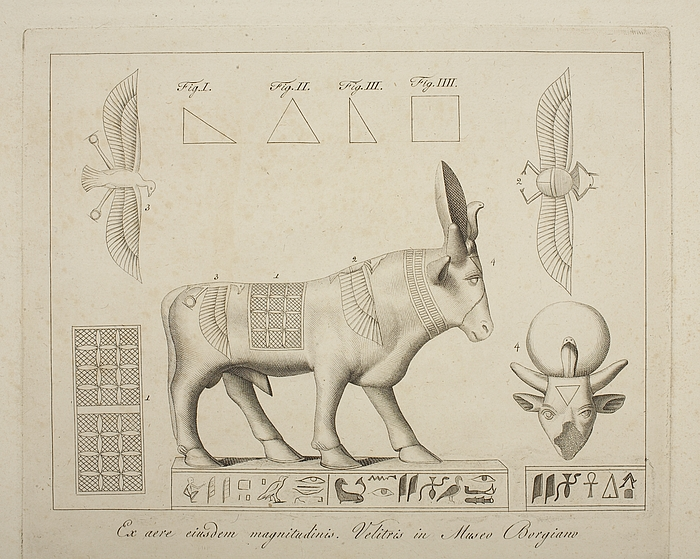 Gudestatue i form af en tyr. Detaljer af symbolerne på dyrekroppen