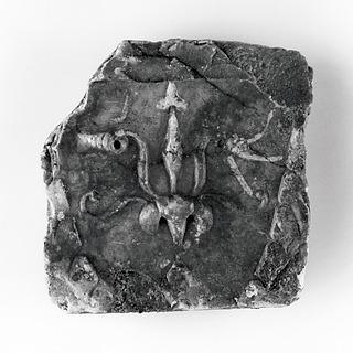 Arkitektonisk relief med lotusblomst og akantusblade. Romersk