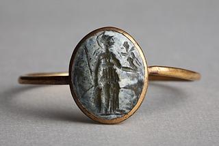 Athene med Nike. Hellenistisk-romersk ringsten
