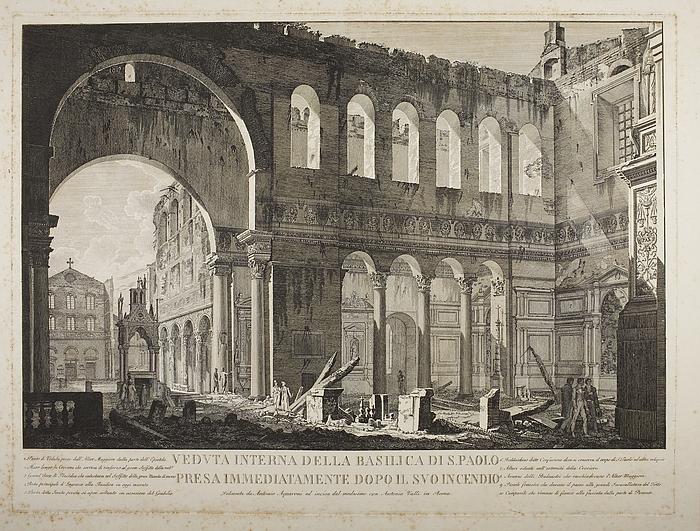 Veduta interna della basilica di S. Paolo pressa immediatiamente da polo il suo in cendio ( Det indre af San Paolo Fuori le Mura umiddelbart efter branden 1823 )
