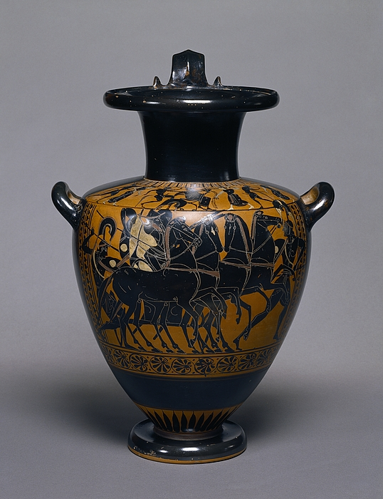 Hydria med vognscene (bug) og Dionysos blandt silener og nymfer (skulder). Græsk