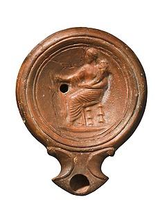 Lampe med Fortuna, siddende med et overflødighedshorn. Romersk