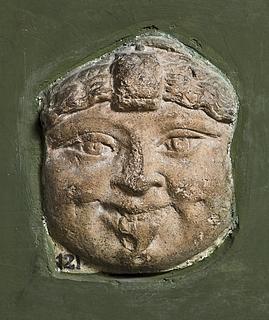 Campanarelief (?) med Medusamaske. Romersk