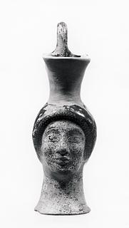 Oinochoe i form af et kvindehoved. Græsk