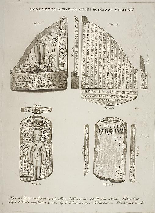 Fragmenter af relieffer med figurer og hieroglyffer