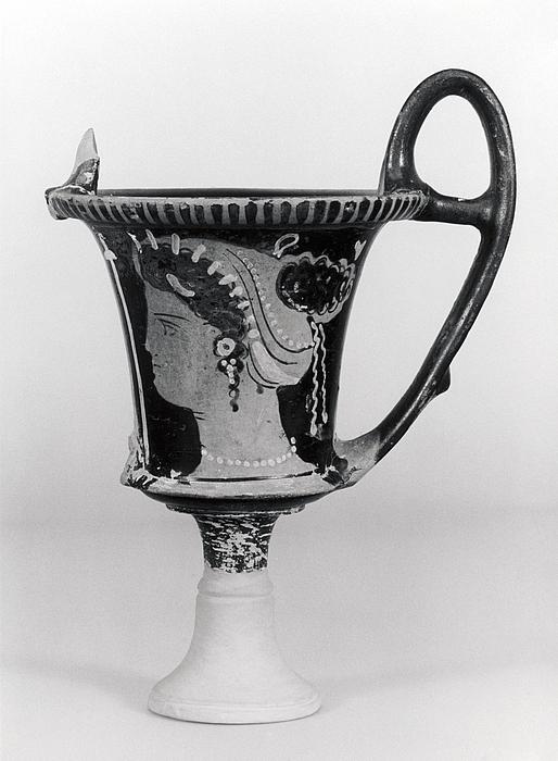 Kantharos med kvindehoveder (A,B). Syditalisk