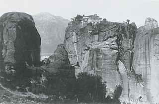 Ukendt fotograf: Meteora med Aghia Triada Klostret, 1880-90