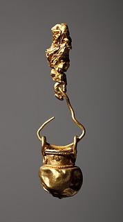 Vedhæng i form af en miniaturevase. Etruskisk