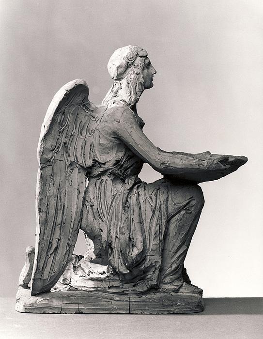Dåbens engel knælende