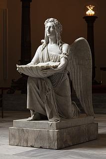 Dåbens engel knælende, marmor, Vor Frue Kirke
