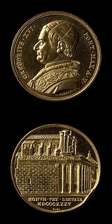 Medalje forside: Pave Gregor 16. Medalje bagside: Antonins og Faustinas Tempel ved Forum
