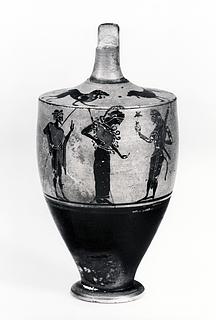 Lekyth med Hermes, Athene, Herakles og en yngling (bug) og to løver (skulder). Græsk