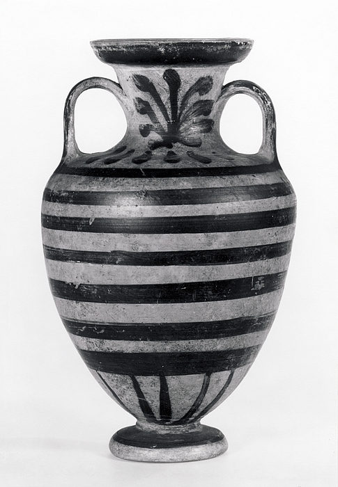 Amfora med palmetter, bånd og strålekrans. Etruskisk