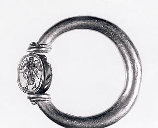 Athene. Etruskisk skarabæ i guldring