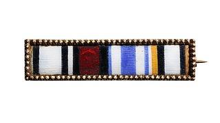 Guldplade med ordensbånd, imiteret i emalje