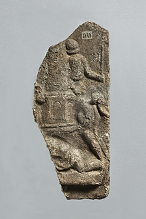 Campanarelief med hest og rytter, der runder en meta, og nedenfor en liggende figur. Romersk