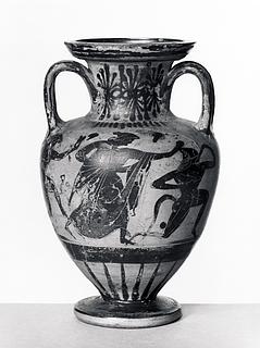 Amfora med dansende silener og mænader (A) og krigere i kamp (B). Græsk