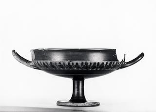 Kylix med palmetter (A,B). Græsk