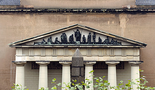 Bertel Thorvaldsen: Johannes Døberen prædiker, bronze, Vor Frue Kirke