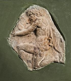 Campanarelief med knælende satyr. Romersk