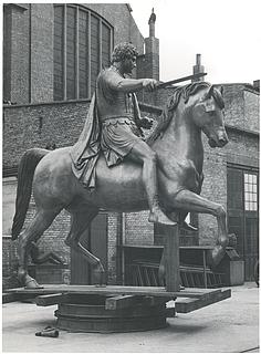 Józef Poniatowski i broncestøber Rasmussens gård på Nørrebro 1951