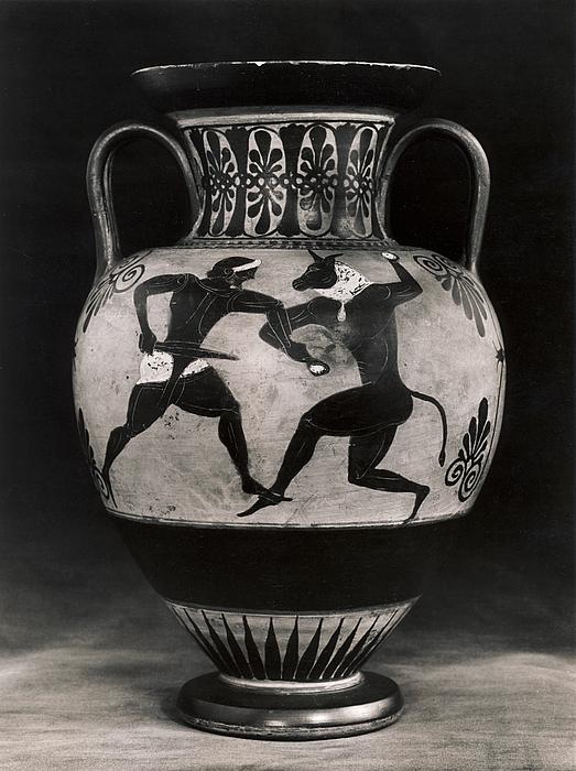 Amfora med Theseus i kamp mod Minotaurus (A) og to væddeløbere (B). Etruskisk