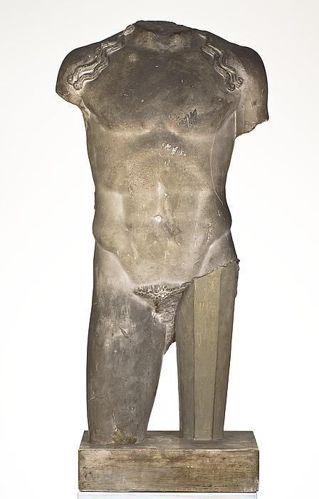 Stående ung mand med langt hår 'Apollon'