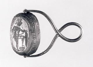 Kriger med sværd og skjold. Etruskisk skarabæ