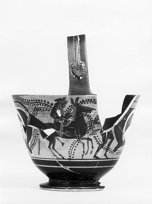 Kyathos med dansende silener, øjne og Dionysos ridende på et muldyr. Græsk