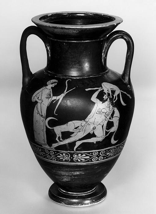 Amfora med Aktæons straf (A) og silener i leg (B). Græsk